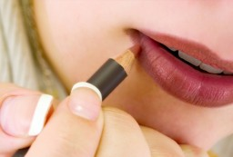 3 Easy Tricks For Better-Looking Lips